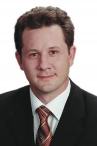 """""""Updates betriebswirtschaftlicher Software verursachen Aufwand und Kosten"""", berichtet Trovarit-Vorstand Karsten Sontow. """"Wer sie allerdings auf die lange Bank schiebt, der riskiert, dass seine Lösung veraltet."""" © Trovarit"""