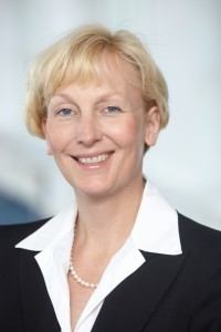 Sabine Bendiek leitet seit Januar dieses Jahres Microsoft Deutschland und verantwortet das Geschäft in Deutschland mit mehr als 2.700 Microsoft-Mitarbeitern und mehr als 31.500 Microsoft-Partner-Unternehmen. Vorher war die 49jährige General Manager beim Speicherhersteller EMC.