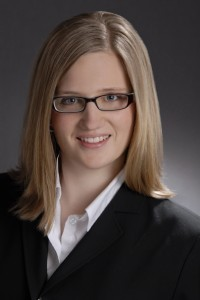 Die Autorin Angelina Sokolowski ist Analystin im Team von von Pentadoc Radar. Ihre Schwerpunkte liegen in den Bereichen Dokumentenmanagement, Enterprise Content Management (ECM) und Input Management. Ihre Tätigkeit umfasst Marktanalysen, Software-Vergleiche, das Beraten von Unternehmen und Anwenderschulungen. (Quelle: Pentadoc)